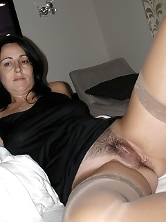 Mom Upskirt Porn Pics